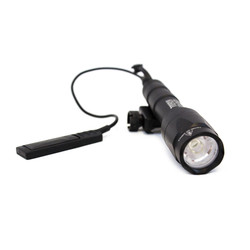 Tactical weapon flashlight, 600L - Black